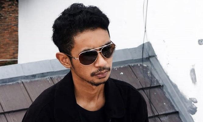 Salah satu pelaku musik di Papua Sirga Rumagesan - Indra