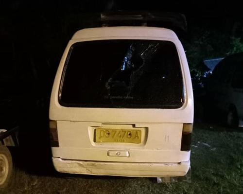 suasana Aparat melakukan eksekusi, pelaku pengrusakan taxi di Heram.